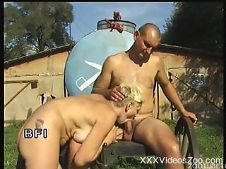 Short-haired chick fucked hard after hot bestiality